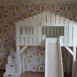 Кровать-чердак «Хижина» с горкой и ступенями